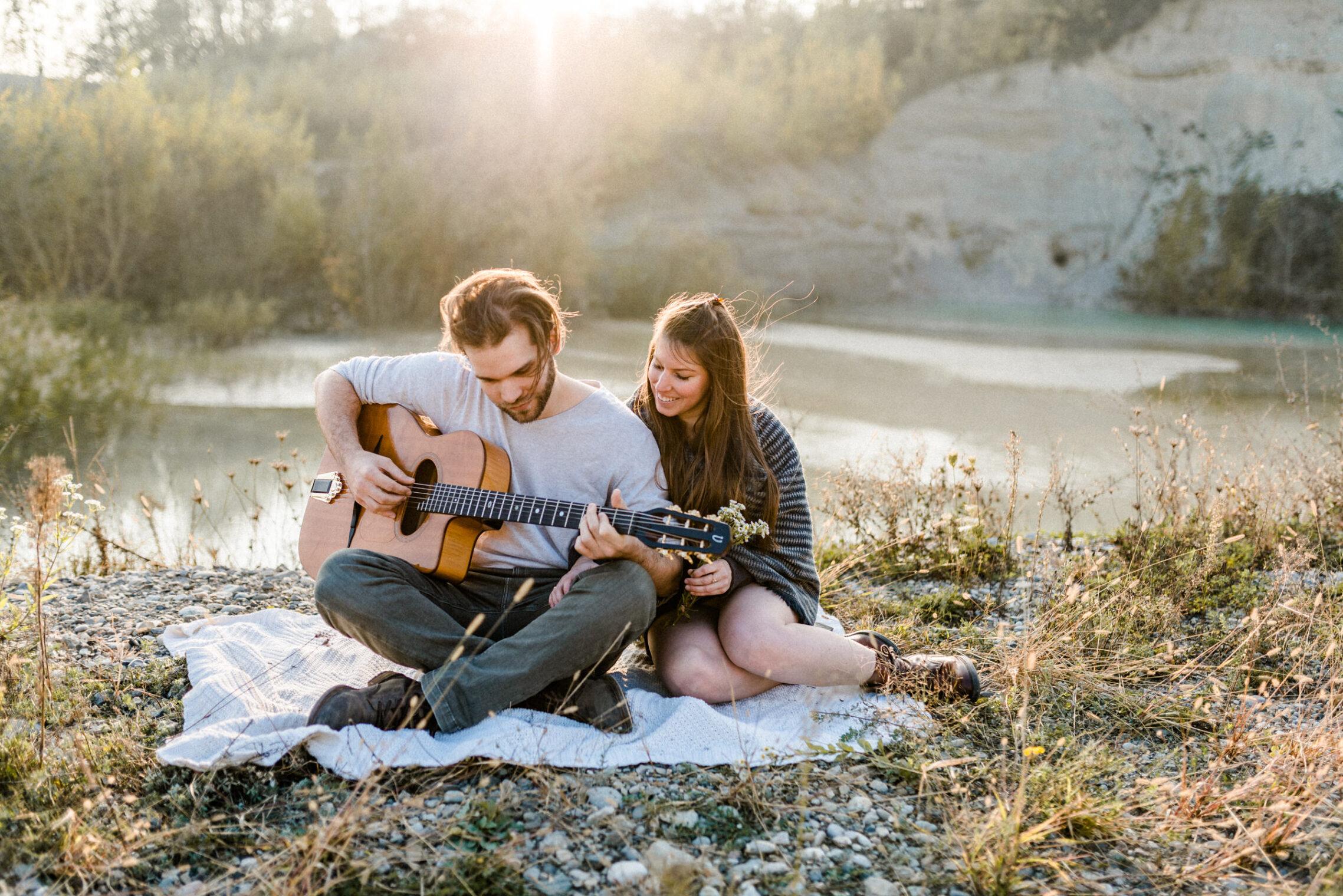 Paar feiert ihre Verlobung mit einem Verlobungsshooting in Solothurn